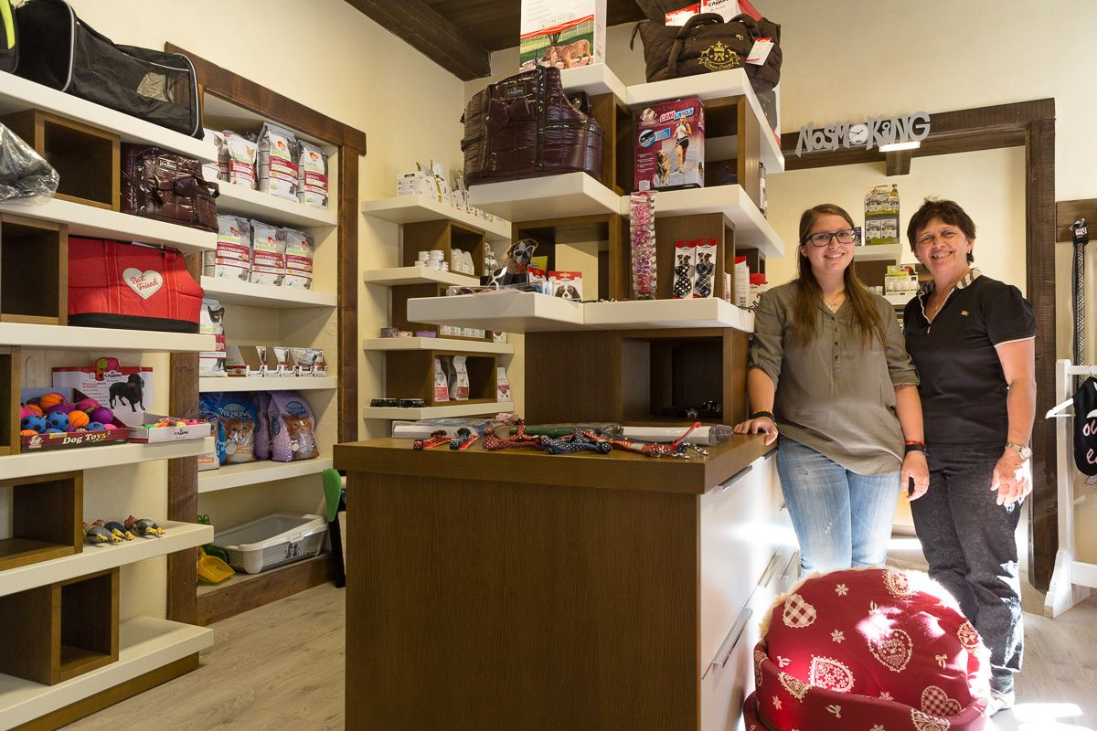 Cogne Town Centre / Household products - services Qua la Zampa