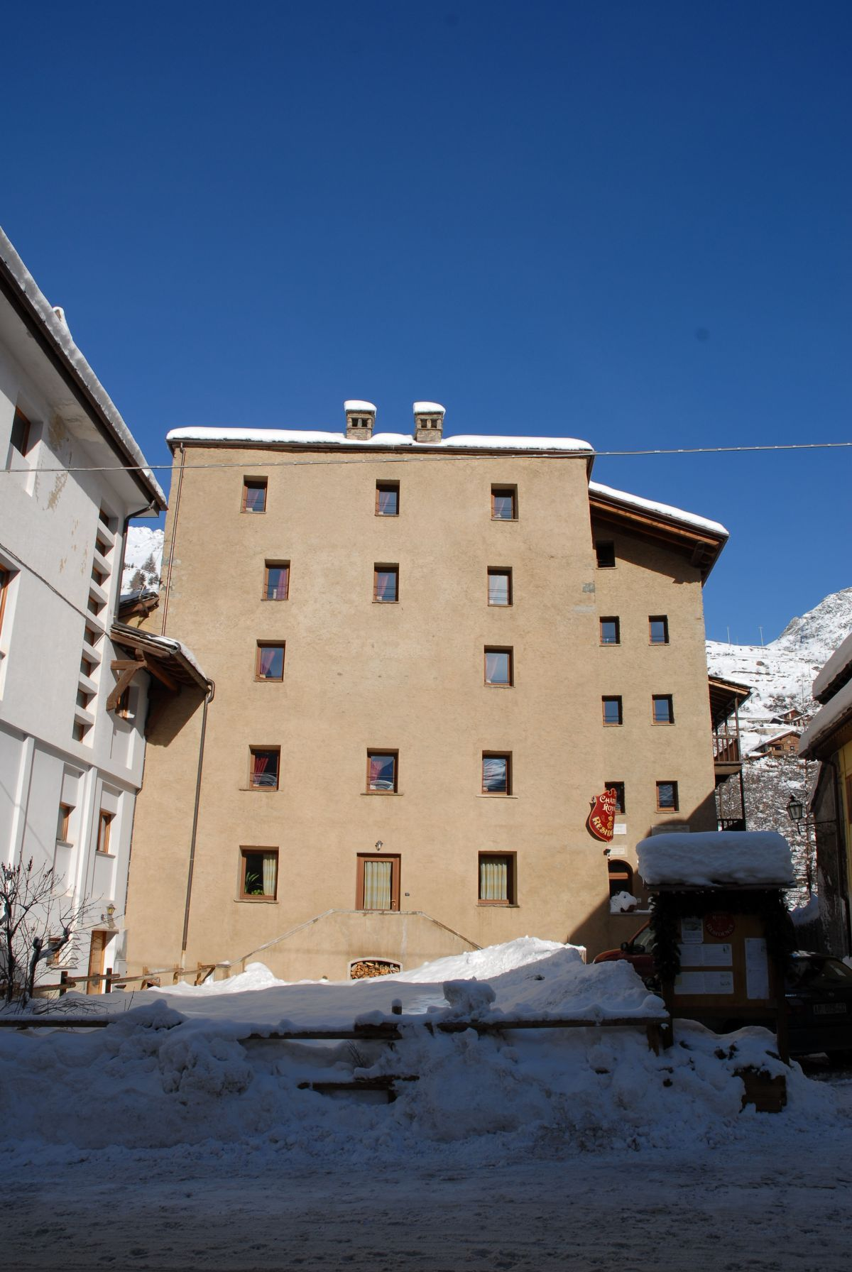 Residence Chateau Royal in Cogne in winter