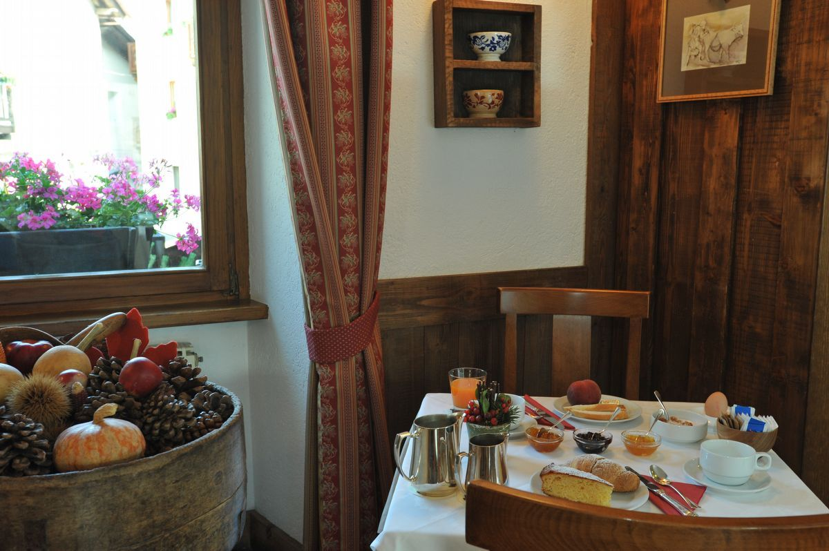 Breakfast at Du Grand Paradis hotel in Cogne