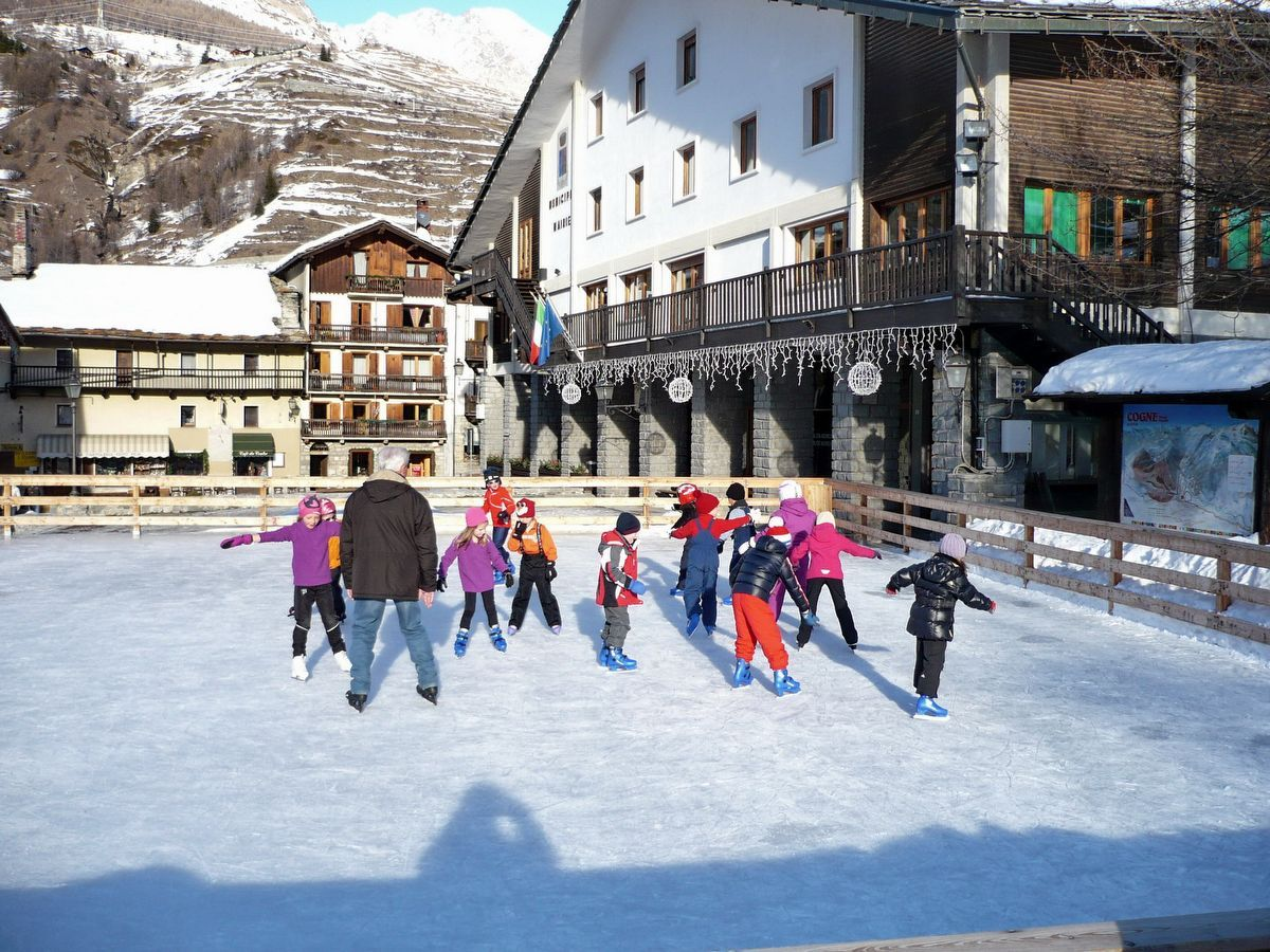 Ice Skating in Cogne - Aosta Valley