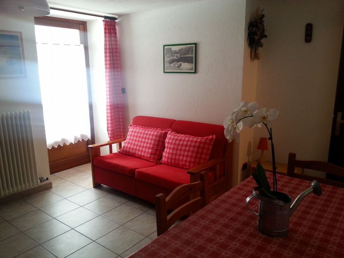 Living room of the apartment Begonia in Cogne