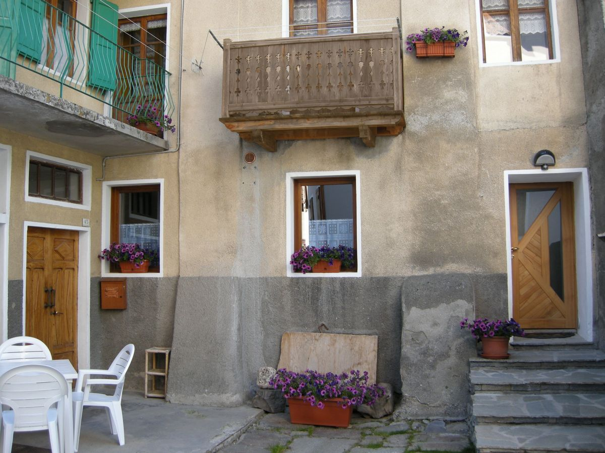 Outside view of the apartment Lou Bon Beu in Cogne