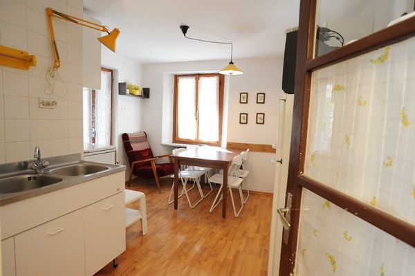Living area with kitchenette at the apartment Genziana in Cretaz
