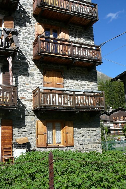 Outside view of the apartment Casa Giogio in Cogne