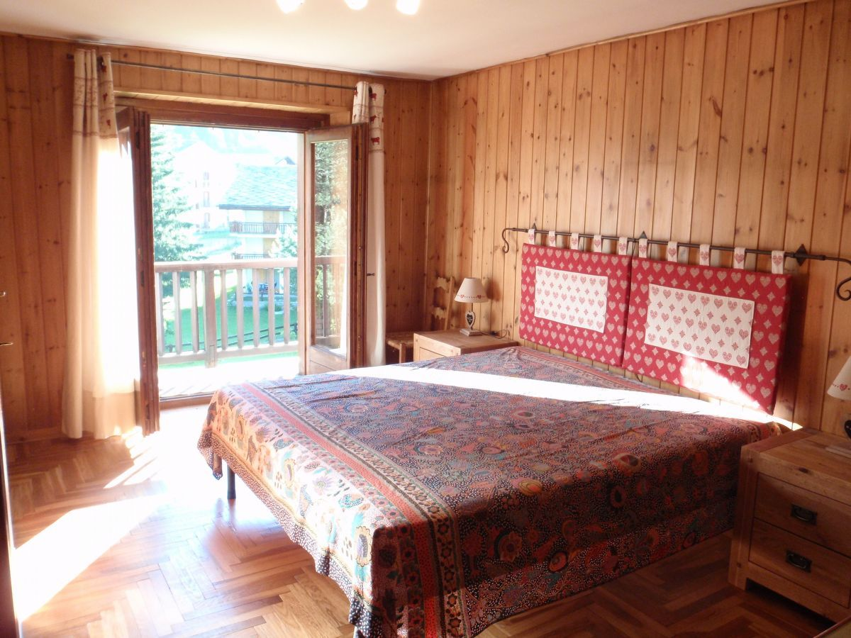 A bedroom in apartment Camelot in Cogne