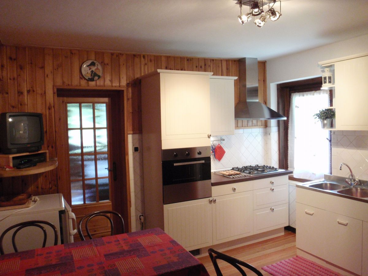 Kitchen in apartment Kalhua in Cogne