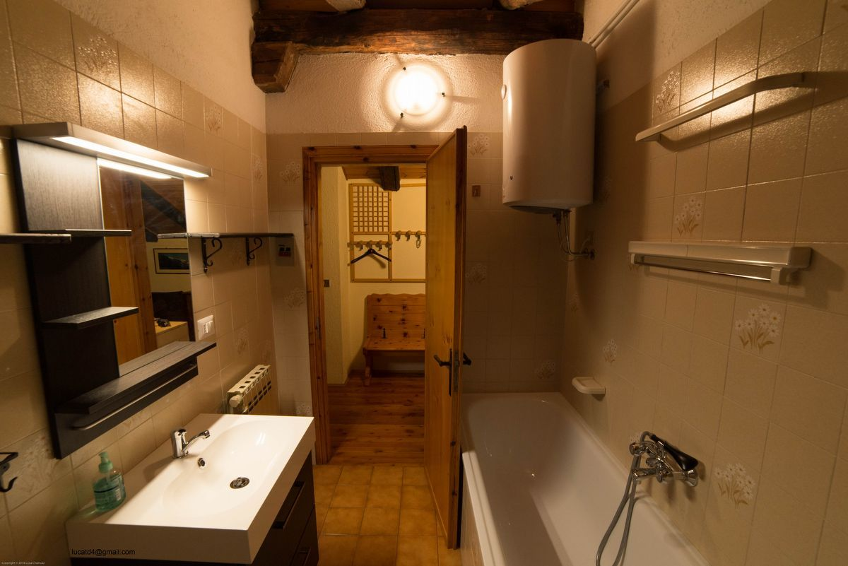 Bathroom of the apartment Maison Franco in Cogne